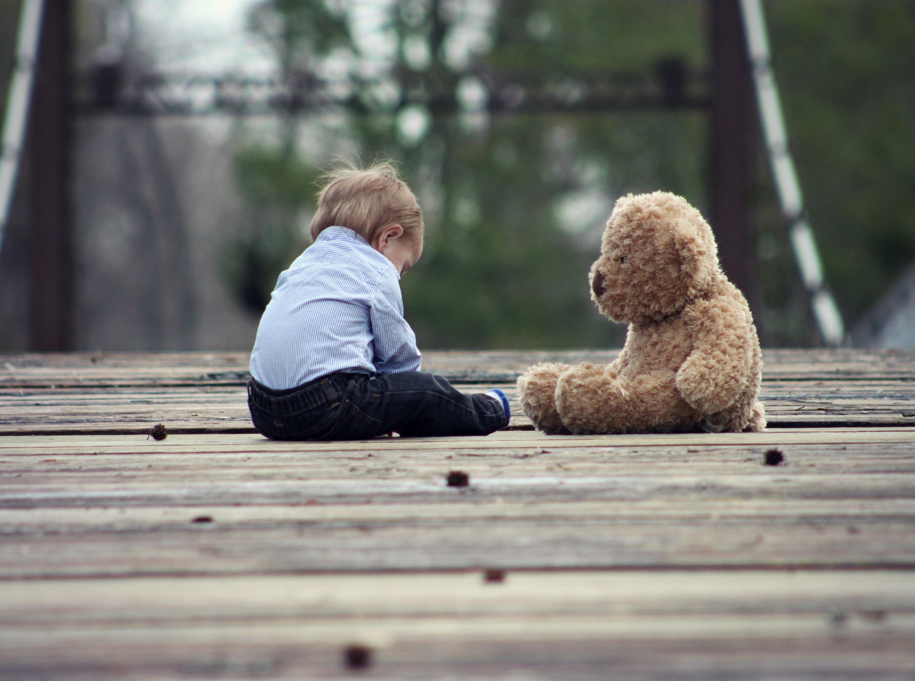 Bambini timidi e bambini vivaci: come comportarsi? - 2020