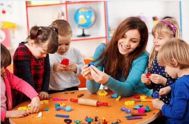 565e9be4a6 pasta di sale o la plastilina: giochi per bambini da fare in casa quando  piove