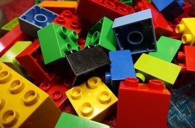 Le costruzioni: i mattoncini Lego