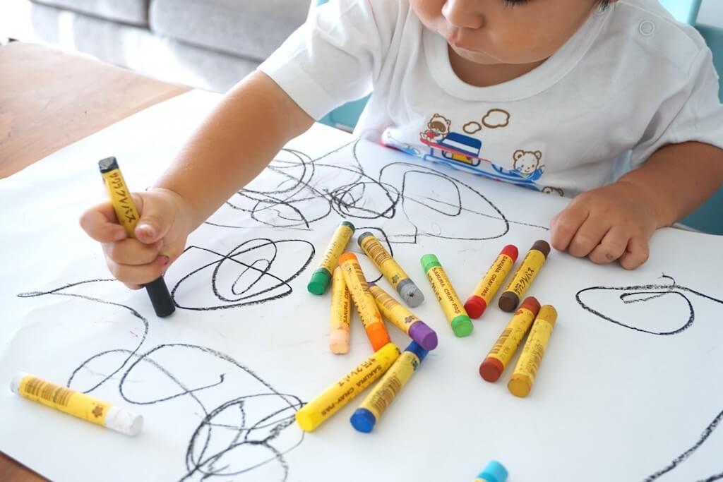 Giochi per bambini di 3 anni: si comincia a socializzare 😀 - 2021
